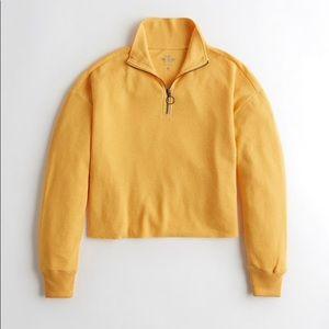 Hollister Yellow Waffle Sweater 🖤